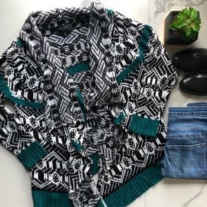 Romeo + Juliet Couture Patterned Knit Cardigan
